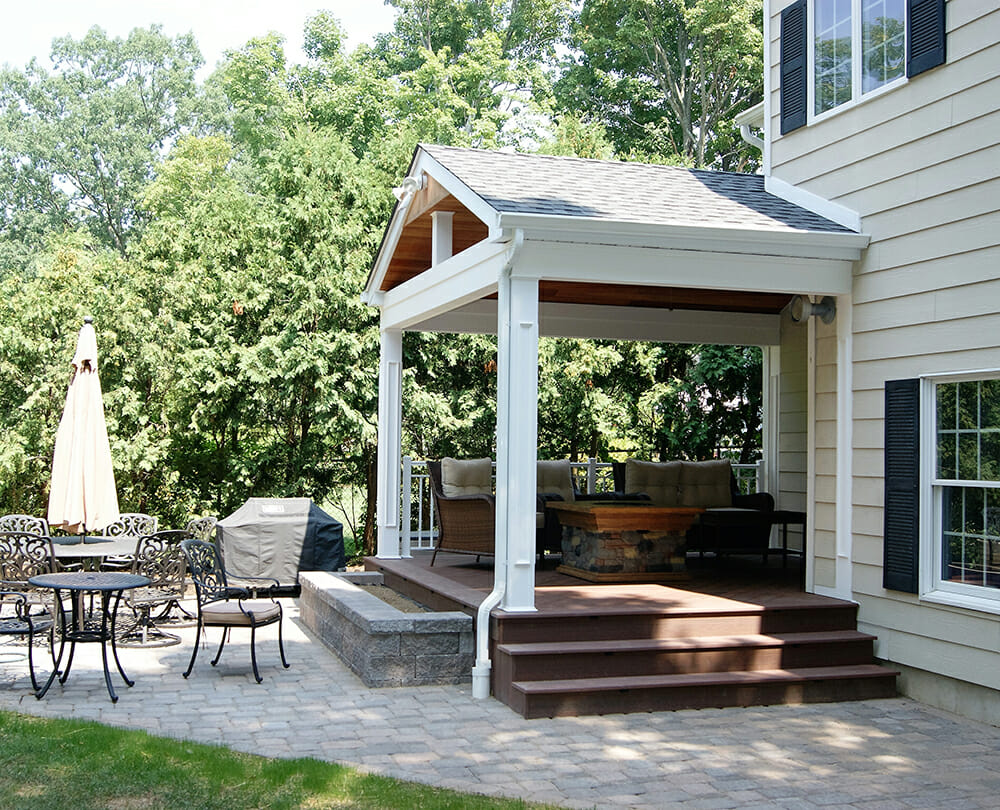 Covered decks and patios patio building for Outdoor porches and patios